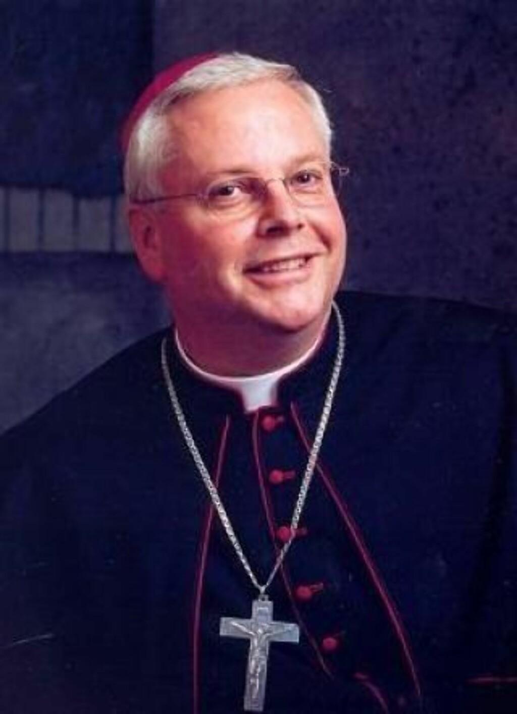 AVSATT:  Georg Müller mistet jobben som biskop i Trondheim da avsløringene om seksuelle overgrep ble kjent i fjor sommer. FOTO: KATOLSK.NO