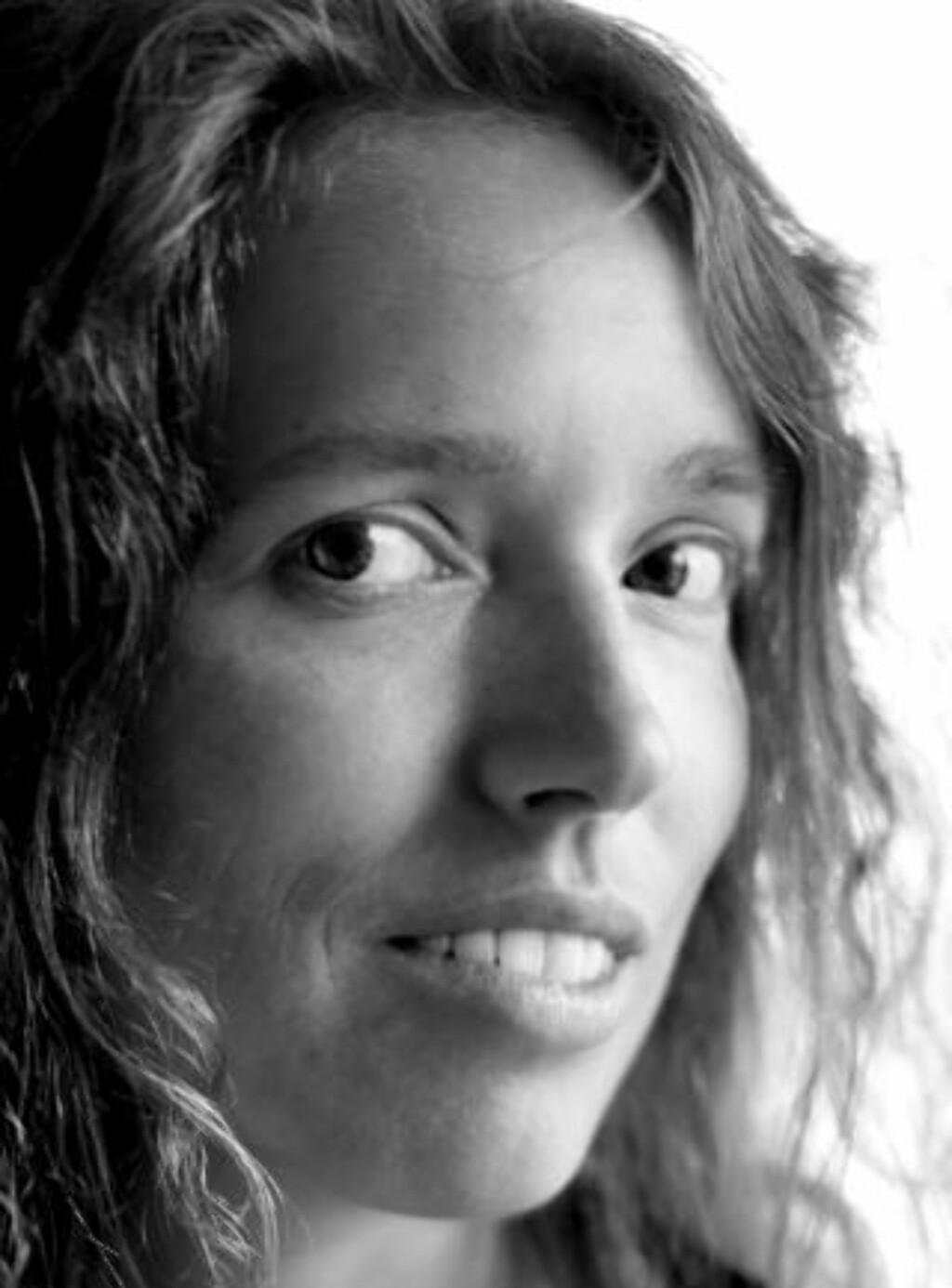 SMAKEBIT: Cathrine Knudsen er opptatt med nytt stoff om dagen. Kanskje publikummet får en smakebit fra hennes nye bok når hun skal ha opplesning under Litteraturfestivalen.