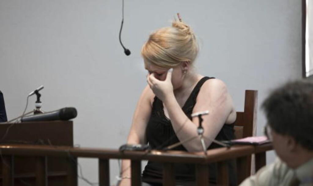 BRØT SAMMEN: Stina Brendemo Hagen gråt i retten i går. Foto: HENNING LILLEGÅRD