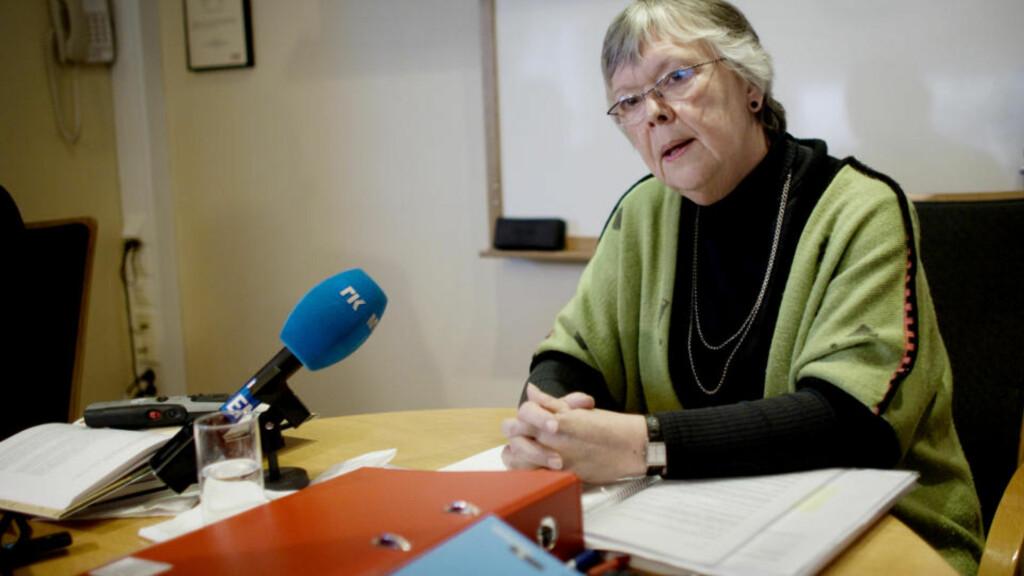 STRI NATT:  Riksmekdlignsmann Kari Gjesteby hadde ennå ikke fått partene til enighet ved 07-tiden.  FOTO: KYRRE LIEN, SCANPIX.