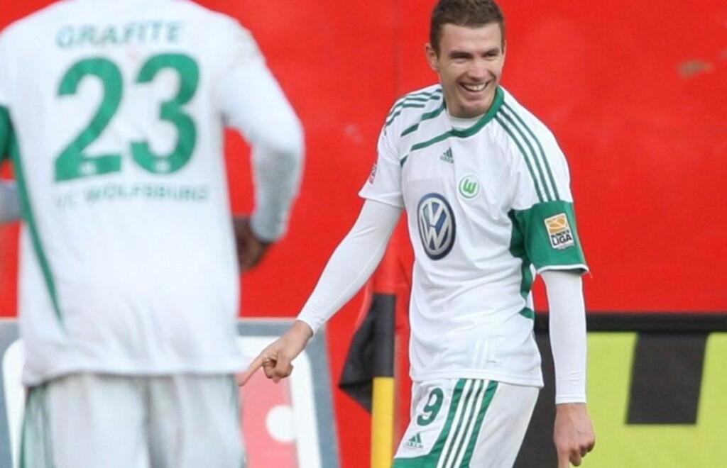 SENKET NÜRNBERG: Edin Dzeko (t.h.) og spissmakker Grafite scoret målene da Wolfsburg slo Nürnberg 2-0.Foto: SCANPIX/EPA/SVEN GRUNDMANN