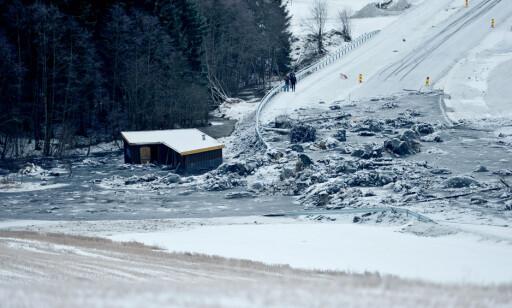 OMKOM: Tre menn fra Litauen omkom i jordskredet torsdag. Fredag morgen fortsatte søk etter de omkomne. Foto: Thomas Rasmus Skaug, Dagbladet