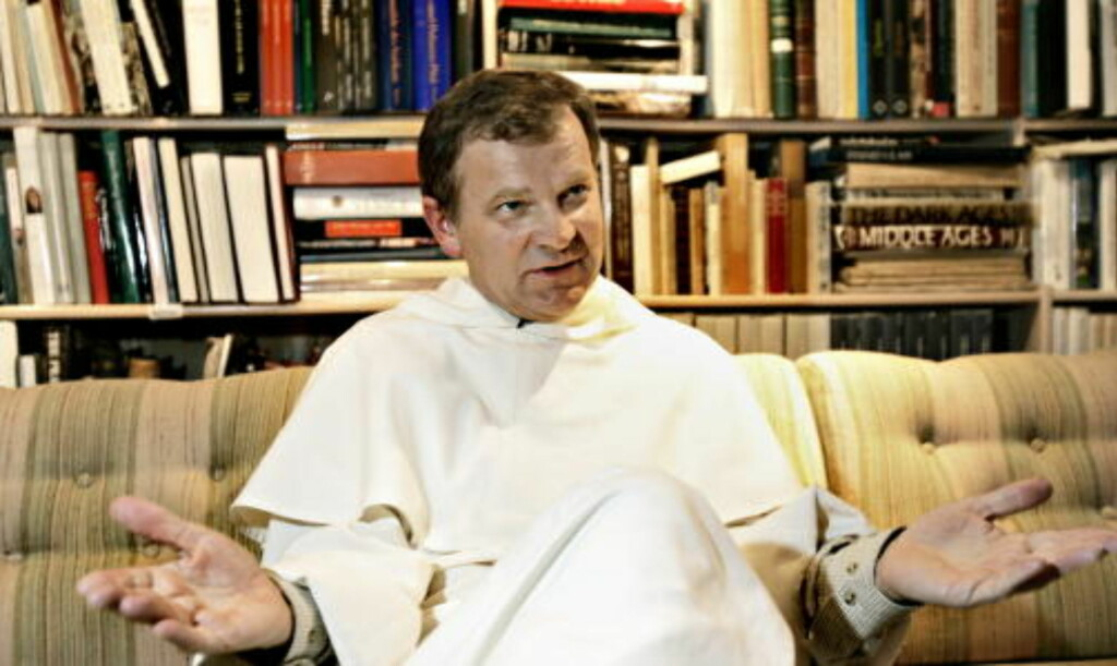 TILBAKEVISER ANKLAGENE: Pater Kjell Arild Pollestad avviser at han noen gang skal ha forgrepet seg på sogneprest Reidar Voith.  Foto: OLE C. H. THOMASSEN / Dagbladet           Ferdig behandlet av fotograf