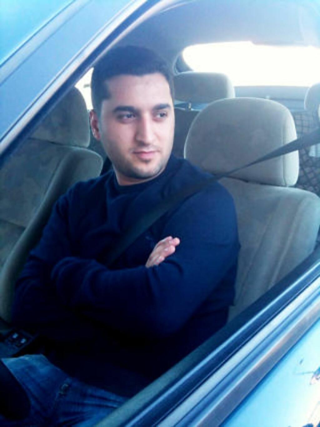 - GLAD I LIVET: Vennen Herisch Mahmoud forteller at vennene av Jonstang er helt knust i dag.