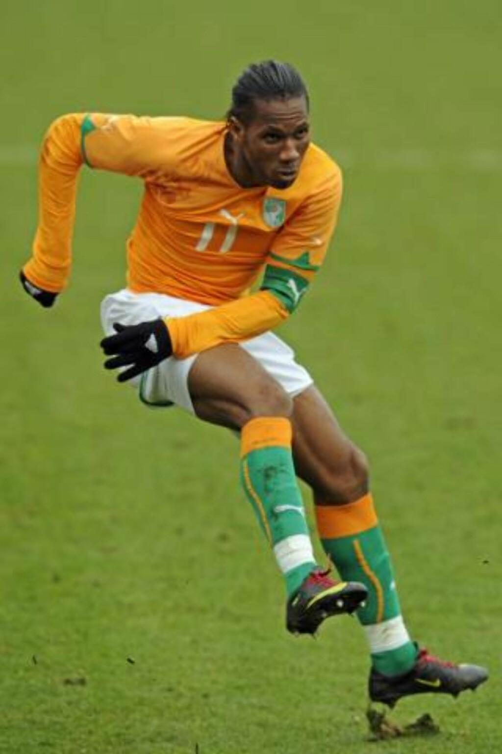 GODT LAG: Didier Drogba er en av superstjernen på det ivorianske laget Sollied gjerne skulle trent. Foto: AP/Tom Hevezi
