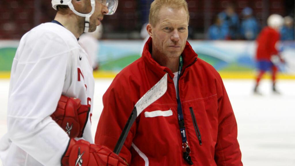 FIKK STRYK: Norge og landslagstrener Roy Johansen. Her fra en trening under OL i Vancouver. Foto: Lise Åserud / SCANPIX.