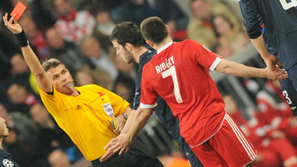 UTVIST: Franck Ribery ble utvist bare 37 minutter inn i gårsdagens Champions League-semifinale mot Lyon. Foto: AFP