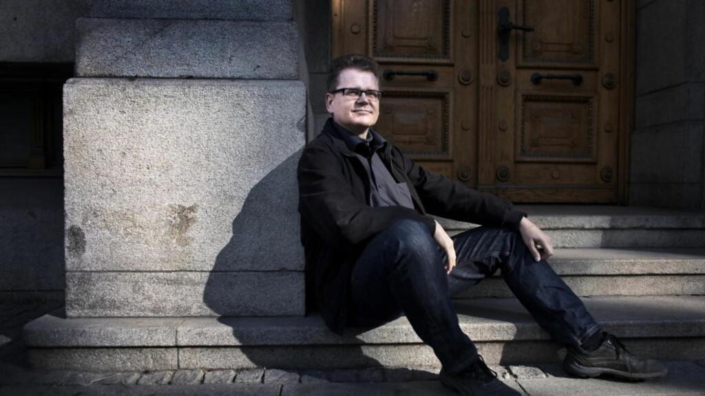 BRUTALT: Danske Kim Leine skriver ikke akkurat kosebøker. Hans nyeste roman trenger dypt inn i sinnet til en morder.  Foto: Henning Lillegård