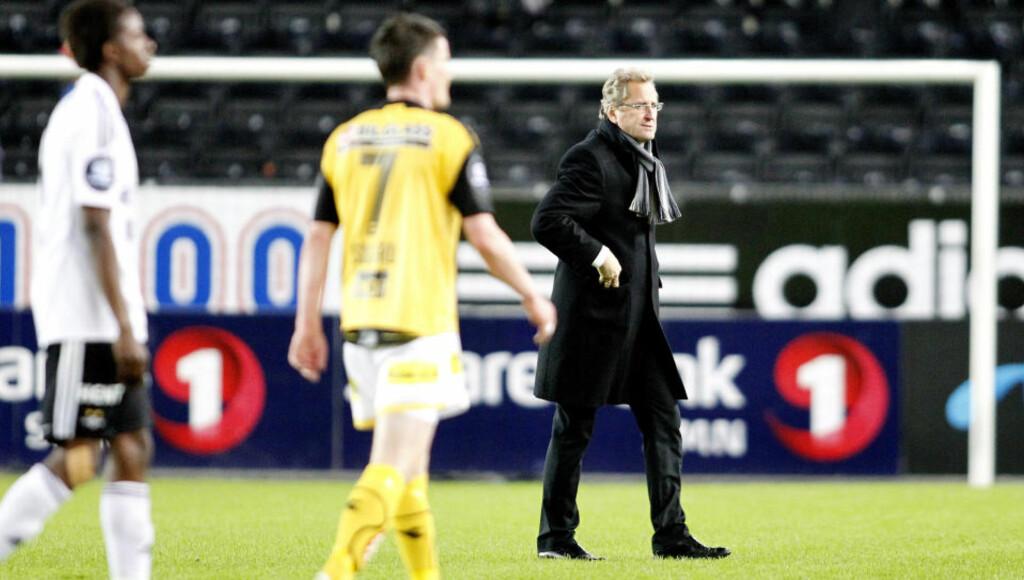 MÅLLØST: RBK-trener Erik Hamrén på banen etter 0-0-kampen mellom Rosenborg og Lillestrøm på Lerkendal i går kveld. Svensken mener laget hans hadde avgjort en slik kamp til sin fordel i fjor. Foto: Gorm Kallestad, Scanpix