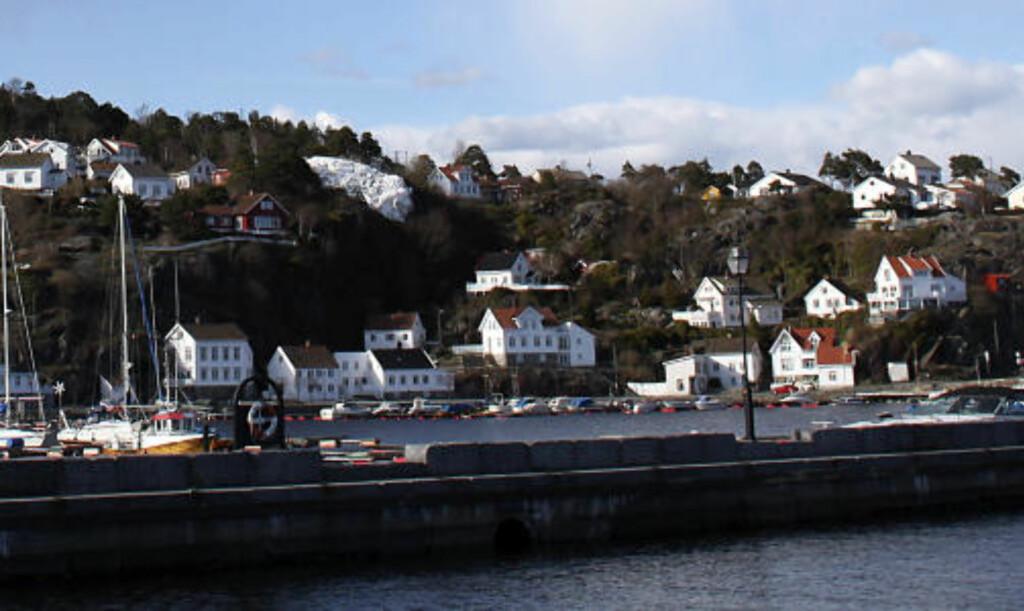 RISØRFLEKKEN: Hvitkalket felt i fjellet,  for navigering siden 1641.