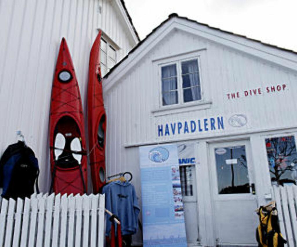 PADLINNG: I Risørs skjærgård padles og dykkes det hele året.