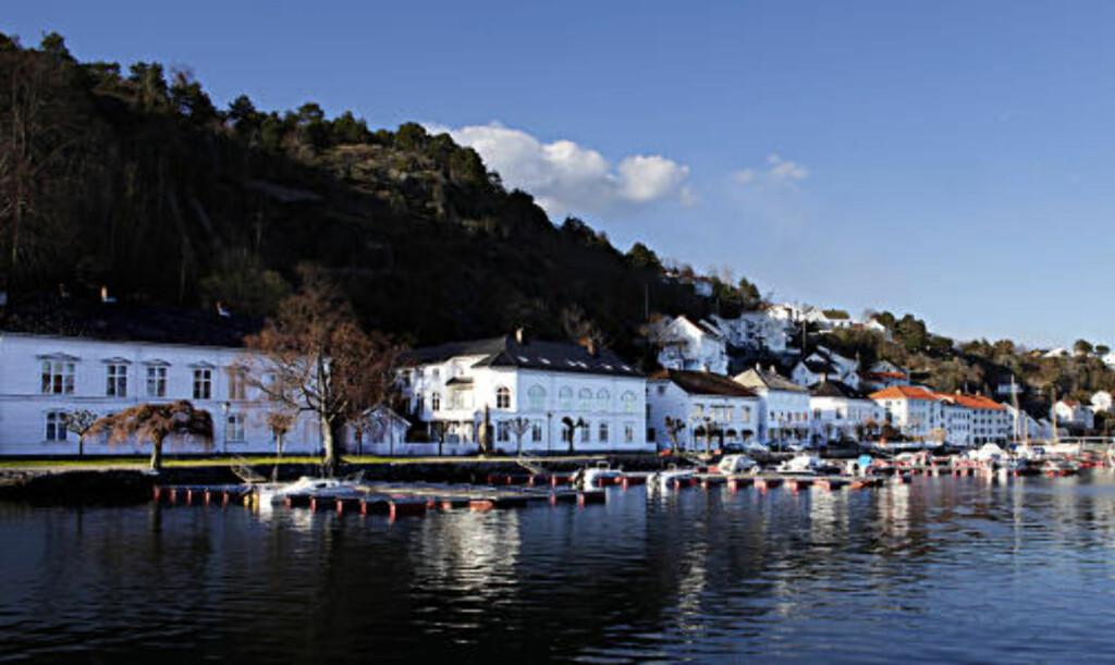 VAKKERT Vågen i Risør er vakker om våren før båtfolket invaderer.
