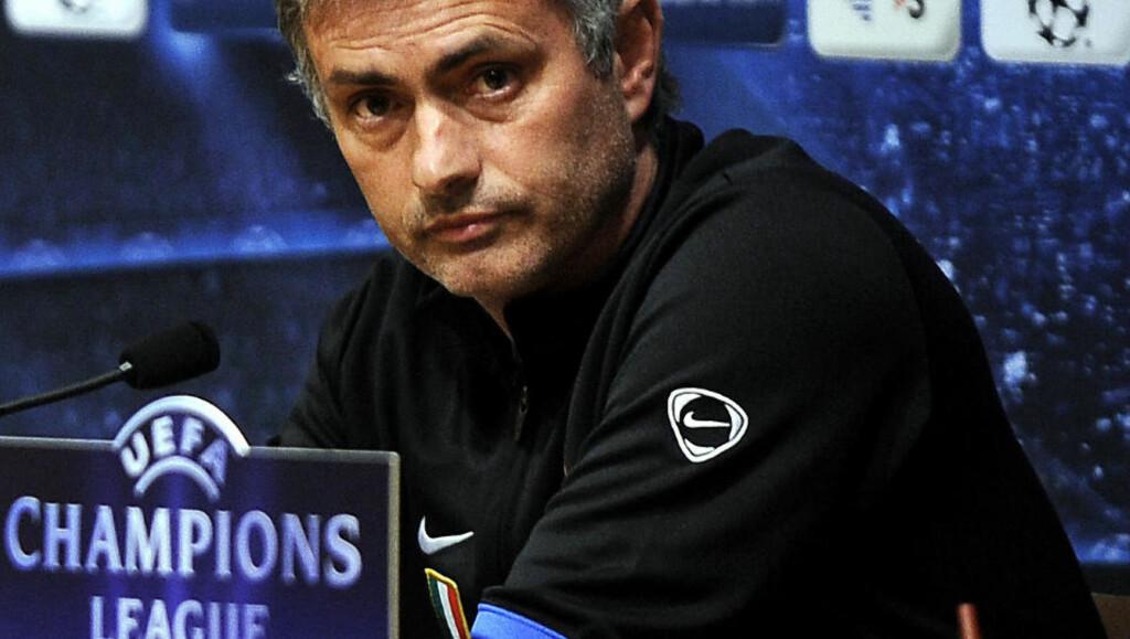 LOST IN TRANSLATION: Jose Mourinho svarer pressen på både engelsk, spansk, italiensk og portugisisk. Kanskje ikke så rart at det figurerer litt forskjellige versjoner av sitatet hans om en restaurant i Oslo. Foto: Filippo Monteforte, AFP/Scanpix