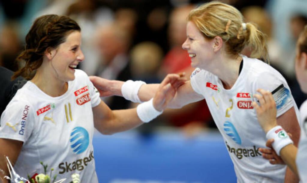 SAMMEN IGJEN: Linn-Kristin Riegelthuh og Tonje Larsen spiller sammen igjen neste sesong. Foto: Erlend Aas / SCANPIX