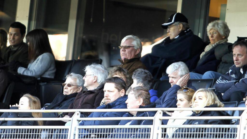 SKAL NED TIL BENKEN: Nils Arne Eggen var på tribunen da RBK møtte Godset. Nå venter 68-åringen på klarsignale til å bli klubbens trener. Foto: Gorm Kallestad / Scanpix