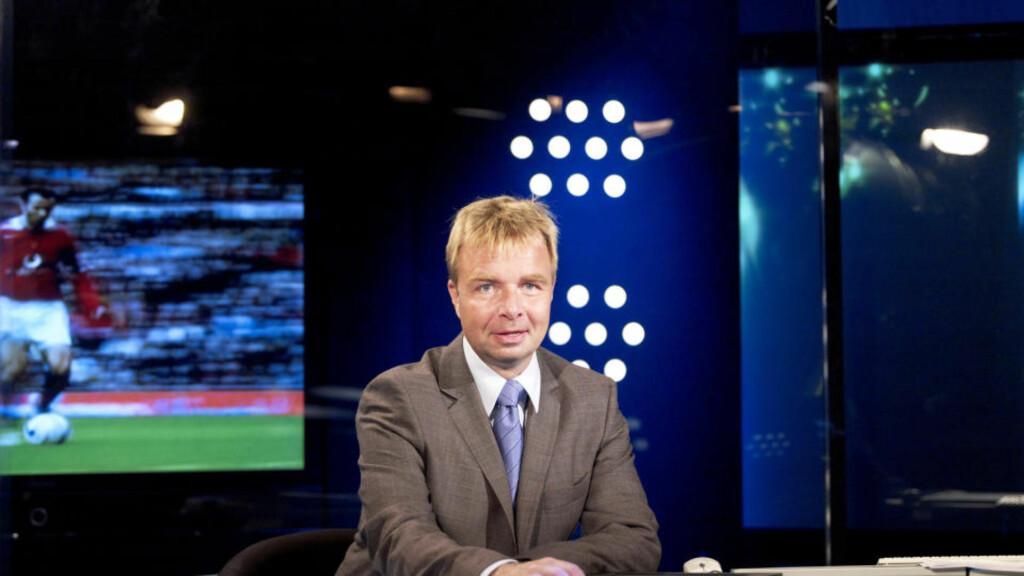 TRENERKABALEN I FERD MED Å GÅ OPP: Lars Tjærnås har  jobbet som fotballekspert i Canal + i en årrekke. Nå kan det være duket for et trenercomeback i Tippeligaen. Foto: Canal +