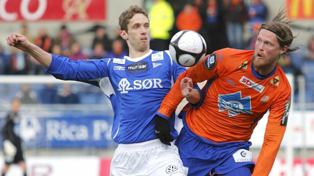 SJANSELØSE: Start og Clarence Goodson skuffet stort mot et godt Aalesund-lag, her ved Tor Hogne Aarøy. Foto: Svein Ove Ekornesvaag / SCANPIX