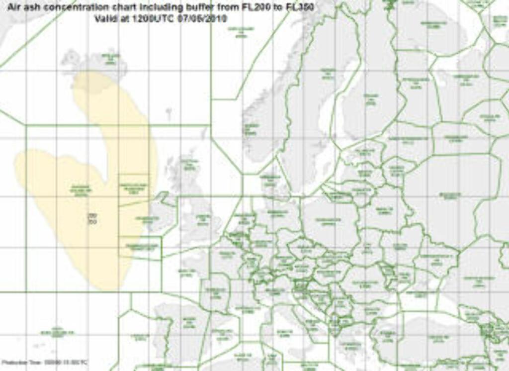 FLYFORBUD: Dette kartet viser utbredelsen til sone 1, hvor det er flyforbud på grunn av aske. Denne gjelder for mellom 20 000 og 35 000 fots høyde. Irland stenger flyplasser på vestkysten, mens transatlantiske flygninger kan dirigeres rundt. Grafikk: Eurocontrol