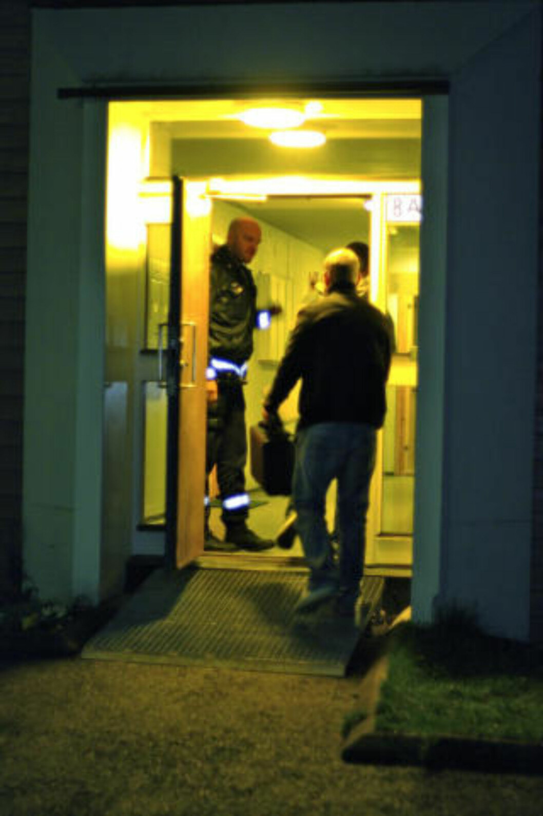 <strong>ETTERFORSKERE:</strong> Etterforskere fra kriminalvakta i Oslo er på stedet. Foto: Tipser.no/Daniel D. Laabak