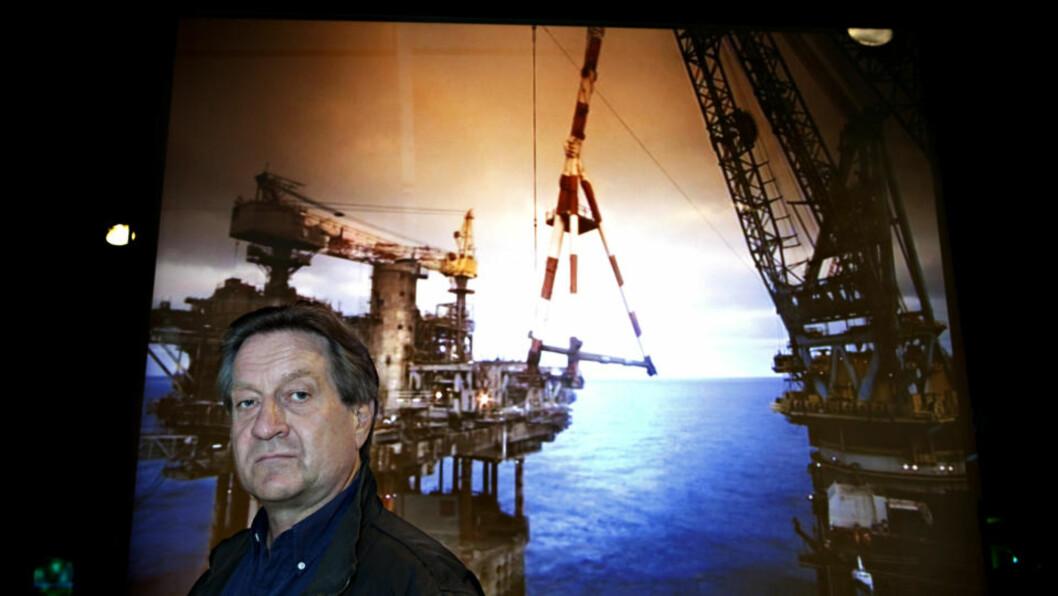 <strong>NY ROMAN:</strong> Krimforfatter Tom Kristensen har tatt et dypdykk ned i Nordsjøen. Historien han fant, var svært betent. Bildet er tatt på Norsk Maritimt Museum. Foto: Nina Hansen