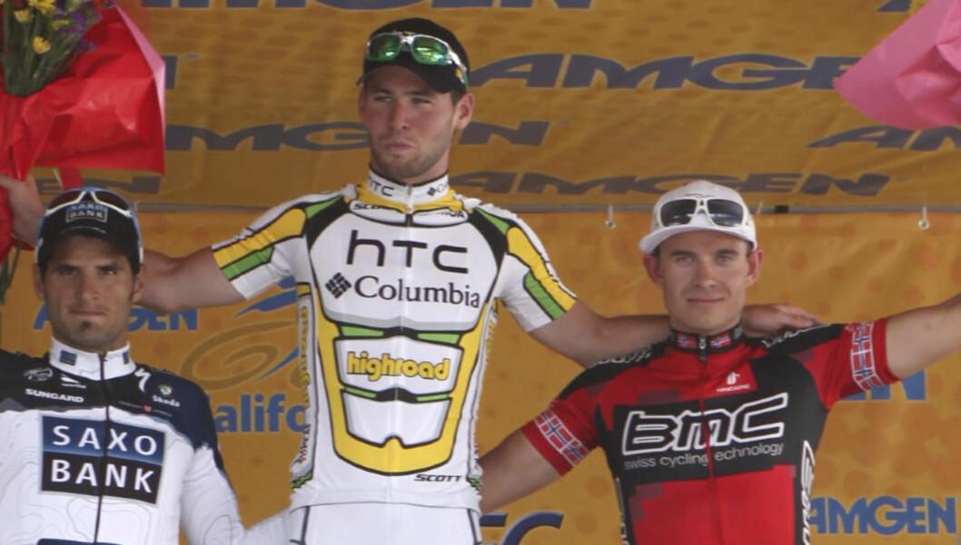 <strong>LAR SEG IKKE PÅVIRKE:</strong> Alexander Kristoff (høyre) og resten av rytterne i Tour of California måtte tåle at Floyd Landis' beskyldninger mot Lance Armstrong og flere andre sykkelprofiler tok mye av oppmerksomheten i California i går. Her med Mark Cavendish (midten) og Juan Jose Haedo (venstre) etter tredjeplassen på første etappe.Foto: SCANPIX/AP/Rich Pedroncelli