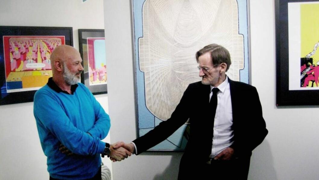 <strong>STRIDEN OVER:</strong> Morten Dreyer og kunstneren Pushwagner har fordelt den omstridte kunsten mellom seg etter lang tids strid. Foto: Eivind Kristensen