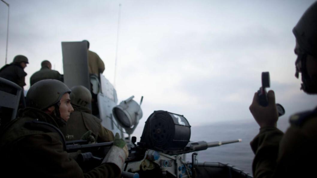 <strong>GAZA II:</strong> Selvsagt visste vi at dette kunne skje. Vi har utløst den andre Gaza-krigen, og den kommer til å bli langlangt mer smertefull og kostbar enn den forrige, skriver israeleren Bradley Burston. Bildet viser israelske soldater ombord i et av krigsskipene som i går natt angrep fartøyene som var  på vei til Gaza.Foto: AFP