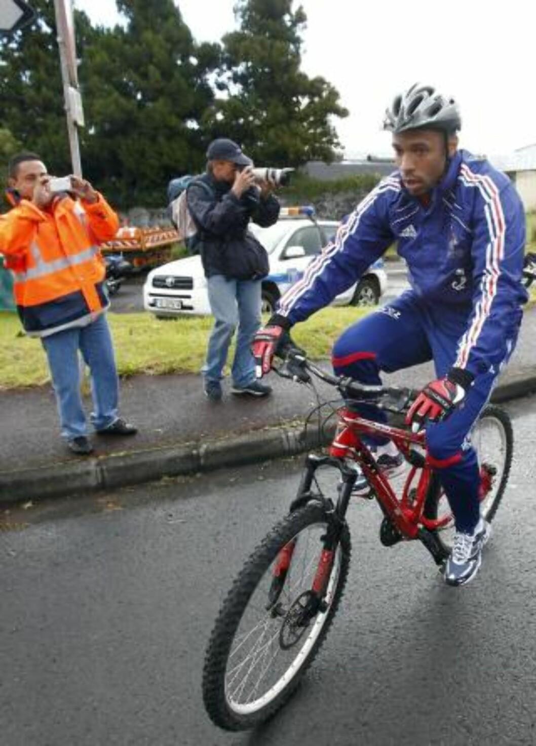 <strong>VAR OGSÅ MED:</strong> Thierry Henry. Foto: Francois Morii / AP.