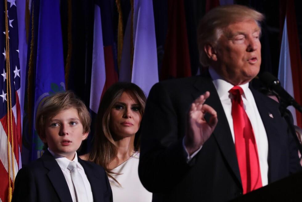 PAPPAS YNGSTE: Barron Trump er 10 år gammel, og er urivillig blitt en del av ordvekslingen i USA etter pappa Donald er blitt president. Foto: Chip Somodevilla/Getty Images/AFP