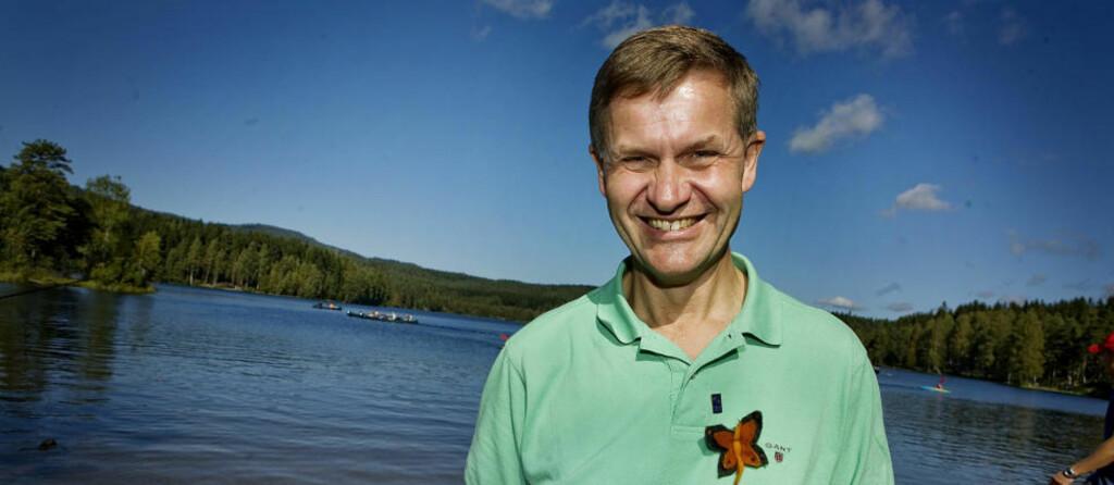 KÅRET TIL HELT: Erik Solheim har all grunn til å smile. Time Magazine har kåret han til miljøhelt, i deres spesialutgave «Heroes of the Environment», som kommer i oktober. Foto: Jon-Michael Josefsen/Scanpix