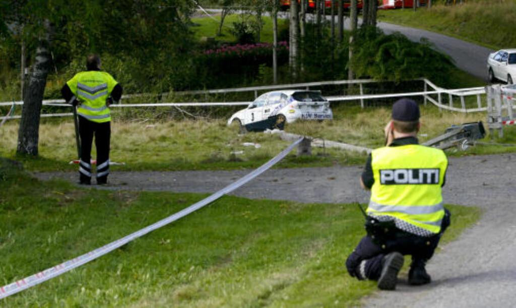KJØRTE AV VEIEN: Rallyfører Andreas Mikkelsen mistet kontrollen i 130 kilometer i timen. Foto: Torbjørn Berg