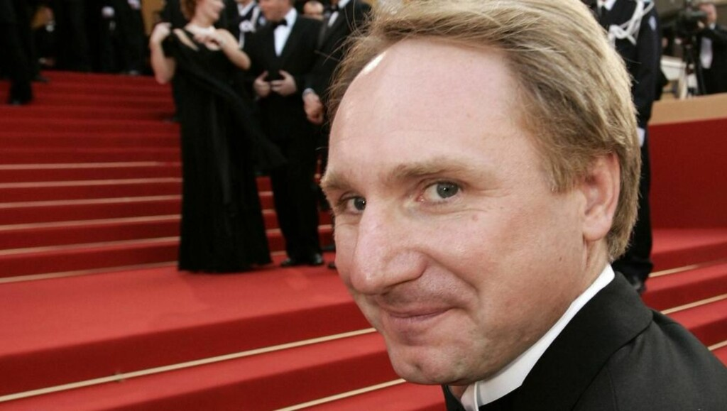 Author Dan Brown attends the world premiere of 'The Da Vinci Code' on the opening night of the 59th Cannes Film Festival in France May 17, 2006. REUTERS/John Schults