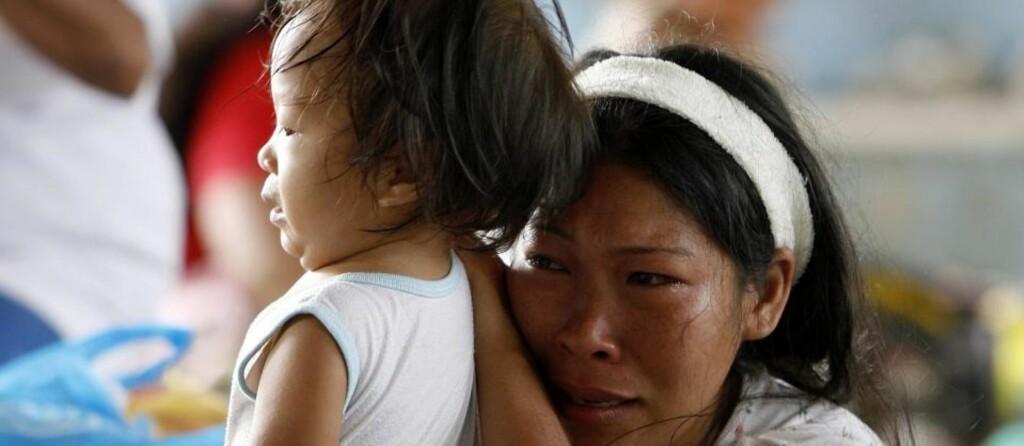 140 døde: Dødstallene fra flommen i Manila stiger, foreløpig er 140 mennesker bekreftet døde, og nesten en halv million er husløse. Foto: EPA/ALANAH M. TORRALBA