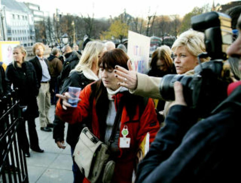 INN PÅ TINGET: Ifjor inviterte Frp-leder Siv Jensen de narkomane på boller og kaffe inne på Stortinget. Foto: Jacques Hvistendahl