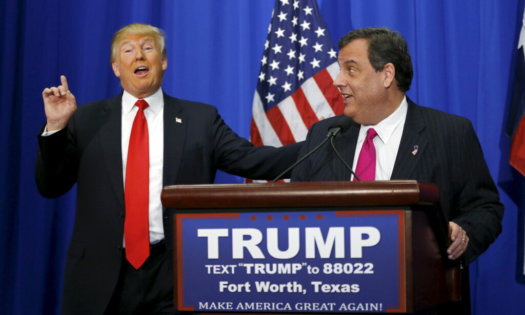 FORVENTET IKKE SEIER: I en ny bok CNN gir ut, hevder mediegiganten at Donald Trump ikke forventet at hans valgkamp skulle vare ut oktober 2015. I så fall skulle han da gi sin støtte til New Jersey-guvernør Chris Christie (t.h.) - slik gikk det ikke. Foto: Reuters / NTB Scanpix