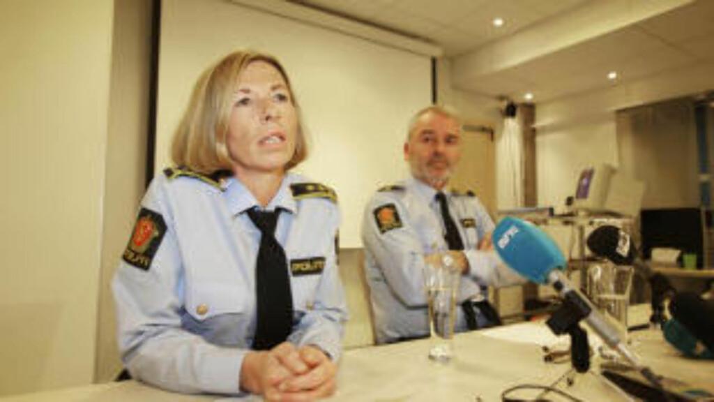 PRESSEKONFERANSE: Politiadvokat Heidi Melø og etterforskningsleder Geir Ole Momyr holdt i dag pressekonferanse om drapet av en 29 år gammel kvinne. En 24 år gammel studentnabo er siktet for forsettlig drap. Foto: Hans Arne Vedlog