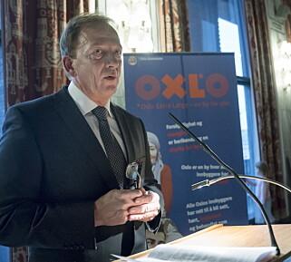 KRITISERTE: Erik Andersen ble tildelt OXLO-prisen for 2016 i Oslo rådhus.  Foto: Øistein Norum Monsen / Dagbladet