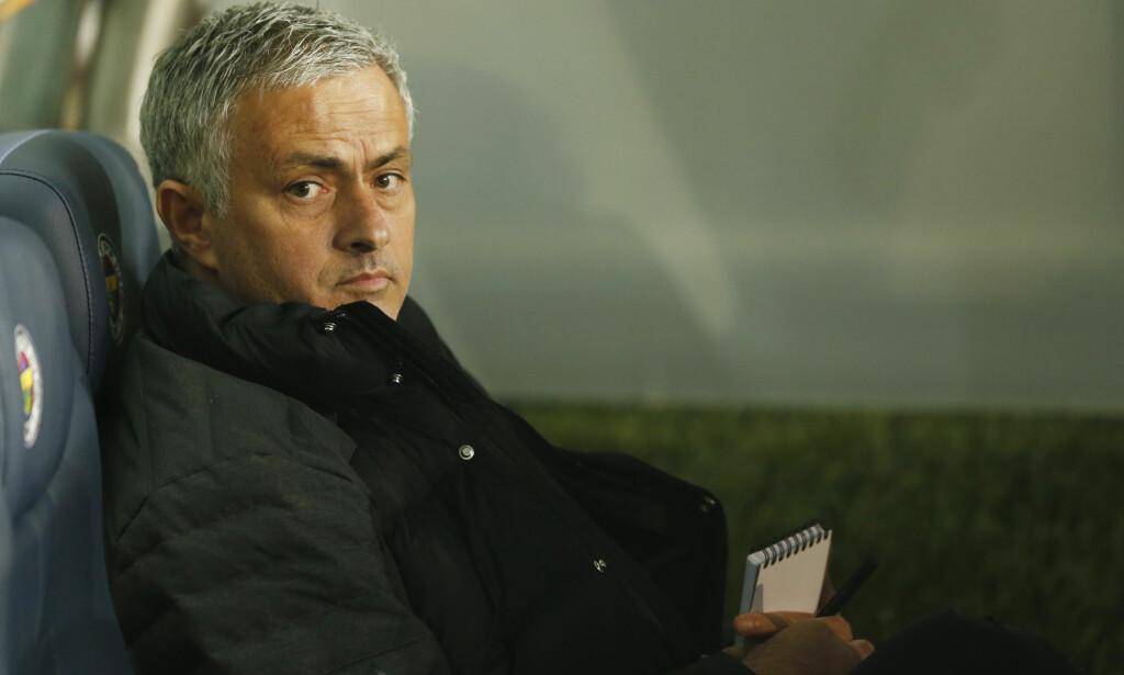RYDDER OPP? Manchester United og Jose Mourinho er nummer seks i Premier League. Nå har fansen sagt hvem de mener bør ut av spillerne. Foto: Reuters / Andrew Boyers