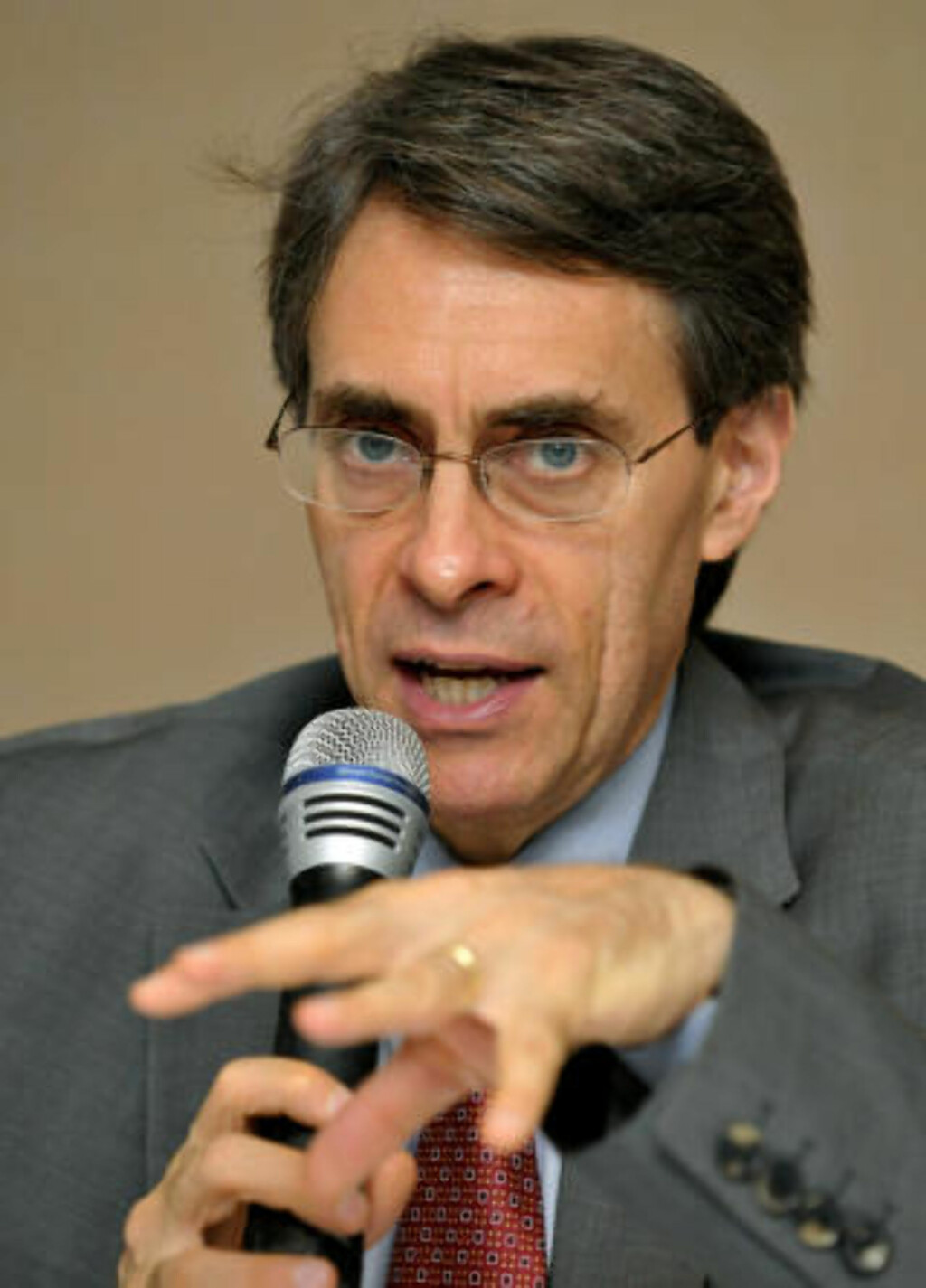 FORBANNET 1: Kenneth Roth, Human Rights Watch. Foto: AFP PHOTO/JAY DIRECTO/Scanpix