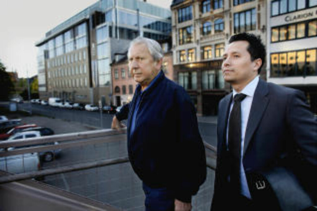 FÅR OPPREISNING: Kjell Granly, her med advokat Carl Bore. Foto: Bjørn Langsem/Dagbladet