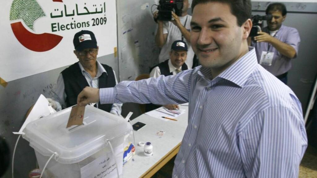 KANDIDAT: Parlamentskandidat Nadim Gemayel er sønnen til avdøde falangistleder Bashir Gemayel som ble drept før han tiltrådte som president i Libanon under borgerkrigen i 1982 Foto: REUTERS/ Georges Abdallah/SCANPIX