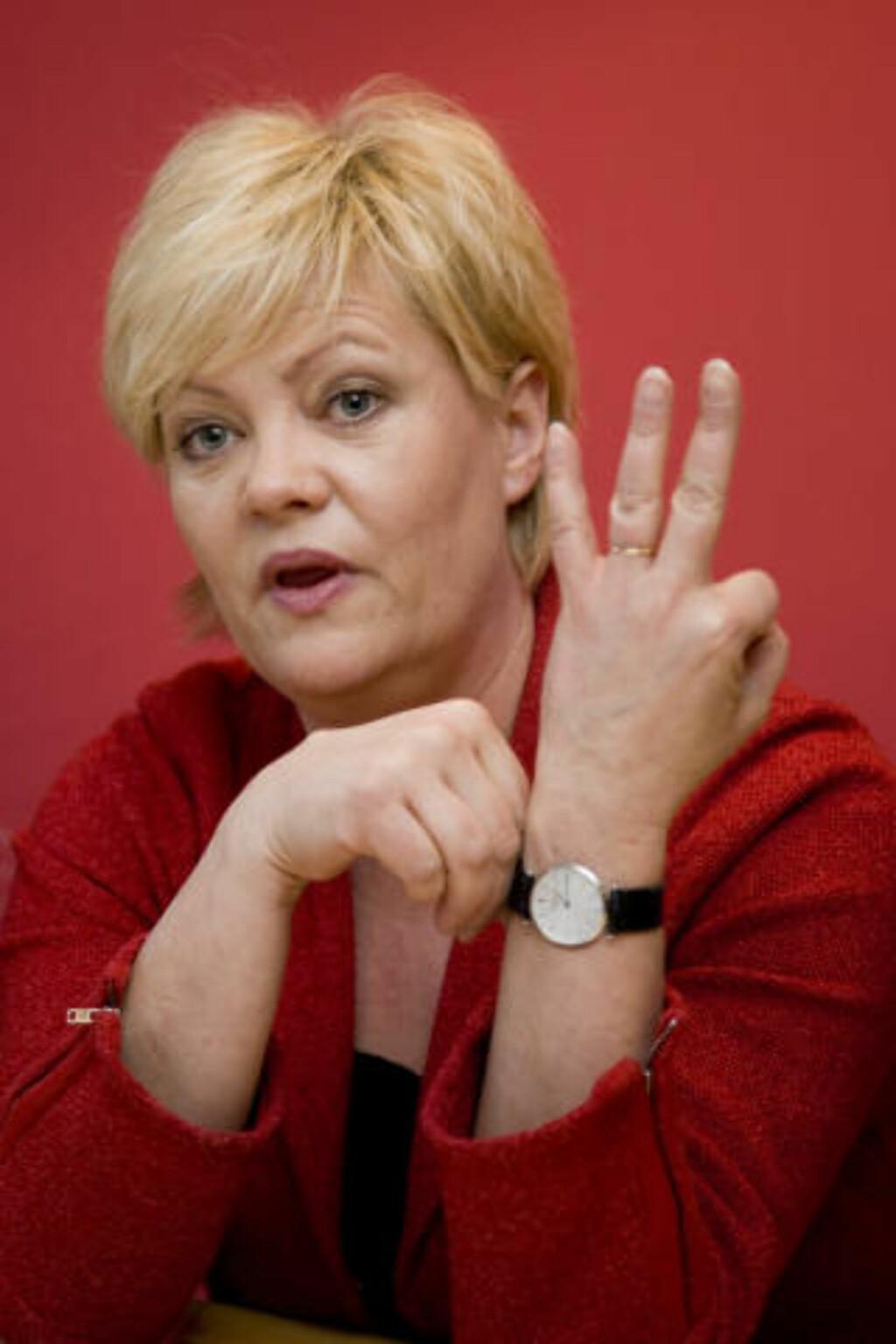 IKKE ENIG: Finansminister og SV-leder Kristin Halvorsen. Foto: SCANPIX.