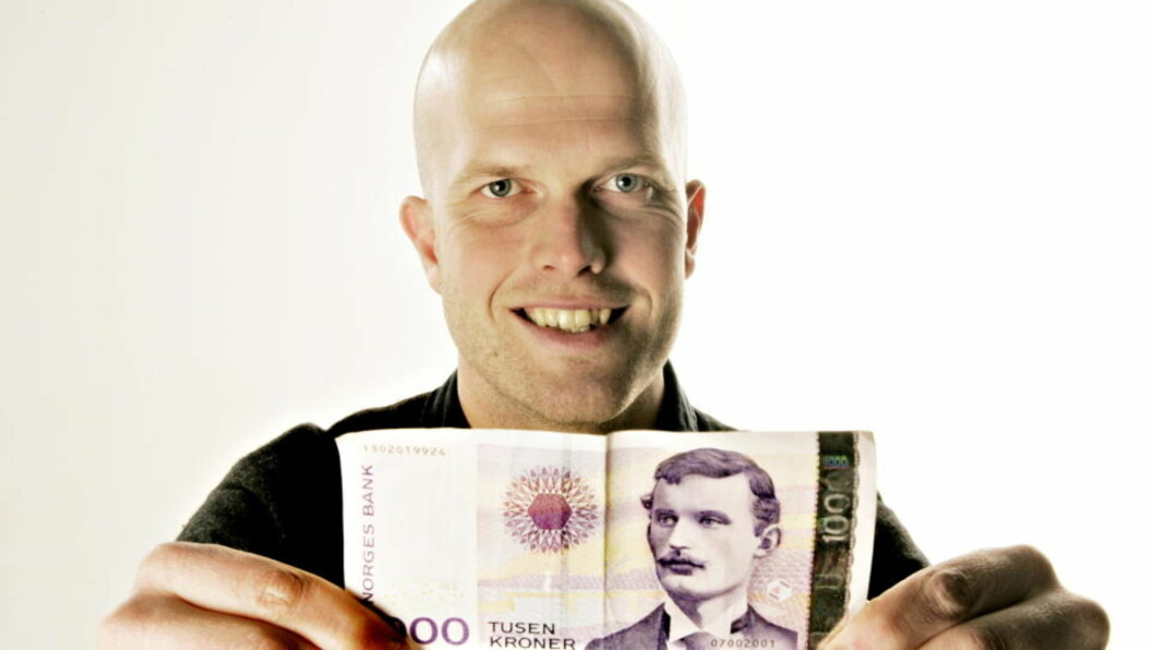 <strong>- IKKE BLI FOR LÅNEKÅT:</strong> Dagbladets økonomiekspert, Hallgeir Kvadsheim, mener at det i praksis er gratis å låne penger etter stadige rentekutt. Foto: OLE C. H. THOMASSEN/Dagbladet