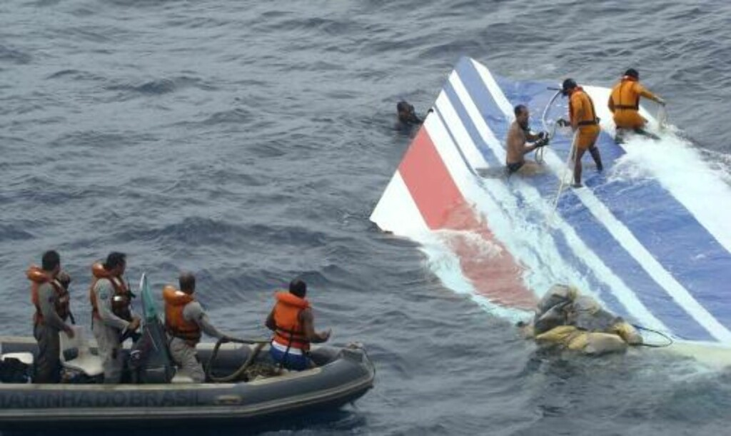 STYRTET: Natt til 1. juni styrtet Air France Flight 447 i havet, i dag presenteres den innledende etterforskninge av ulykken i en rapport. (AP Photo/Brazil's Air Force)