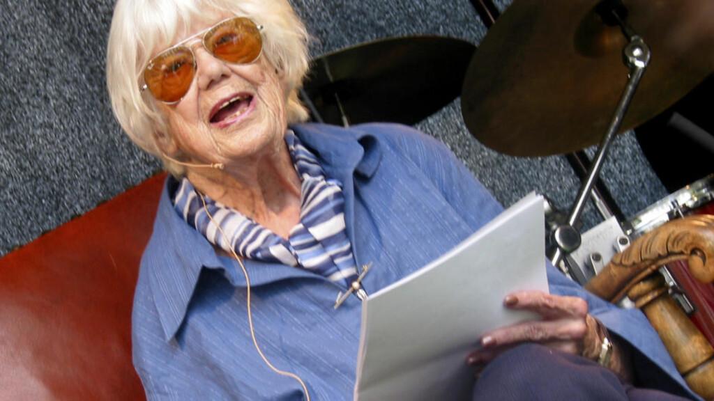 DØD: Forfatteren Ebba Haslund er død. Her fotografert da hun holdt åpningstalen på Bjørnsonfestivalen i Molde i 2006.  Foto: Veronica Karlsen / SCANPIX