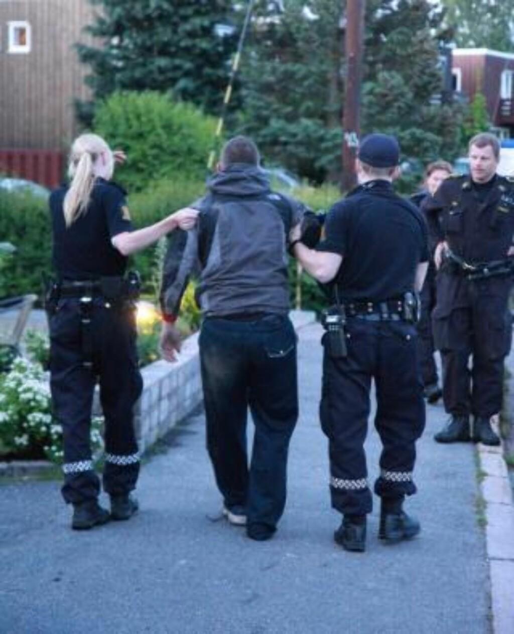 GJEMTE SEG: Politihunder måtte delta i jakten på de tre spanske taggerne som i juni ble pågrepet på Ryen. Spanjolene er ikke alene i å besøke Oslo i ulovlig henseende, bekrefter flere kilder i Oslos taggemiljø. Foto: Svein Gustav Wilhelmsen