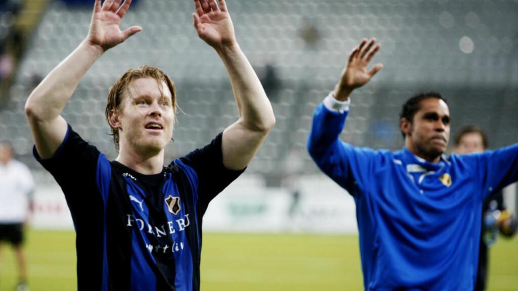 FORETREKKES:  Daniel Nannskog (høyre) mener det bare er positivt at formsterke Fredrik Berglund får fortsette i den gode målstimen han har vært i i det siste. Foto: Kyrre Lien / SCANPIX .