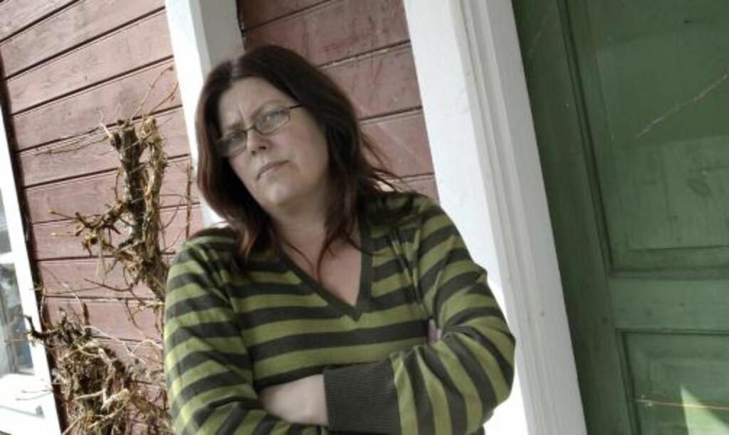 RASER. Englas mor, Carina Höglund, raser mot den 35 år gamle småbarnsmoren på sin blogg. Foto:  Ulf Palm  / SCANPIX