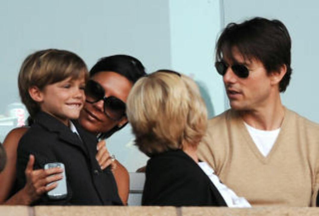 <strong>PÅ TRIBUNEN:</strong> Victoria Beckham på tribunen med Tom Cruise og ungene under en LA Galaxy-kamp. Hennes ektemann skal ha hisset seg kraftig opp etter at en supporter skal ha ropt negative ting om Victoria. Foto: AFP PHOTO / GABRIEL BOUYS