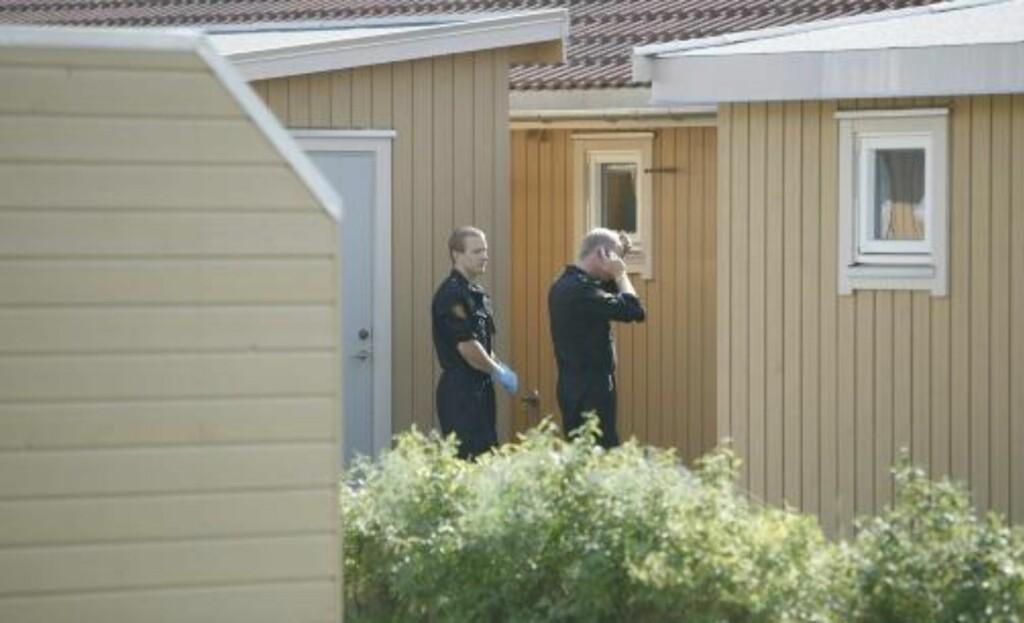 UNDERSØKELSE: Politiet er på stedet hvor en mann ble skutt lørdag. Foto: Torbjørn Grønning/DAGBLADET